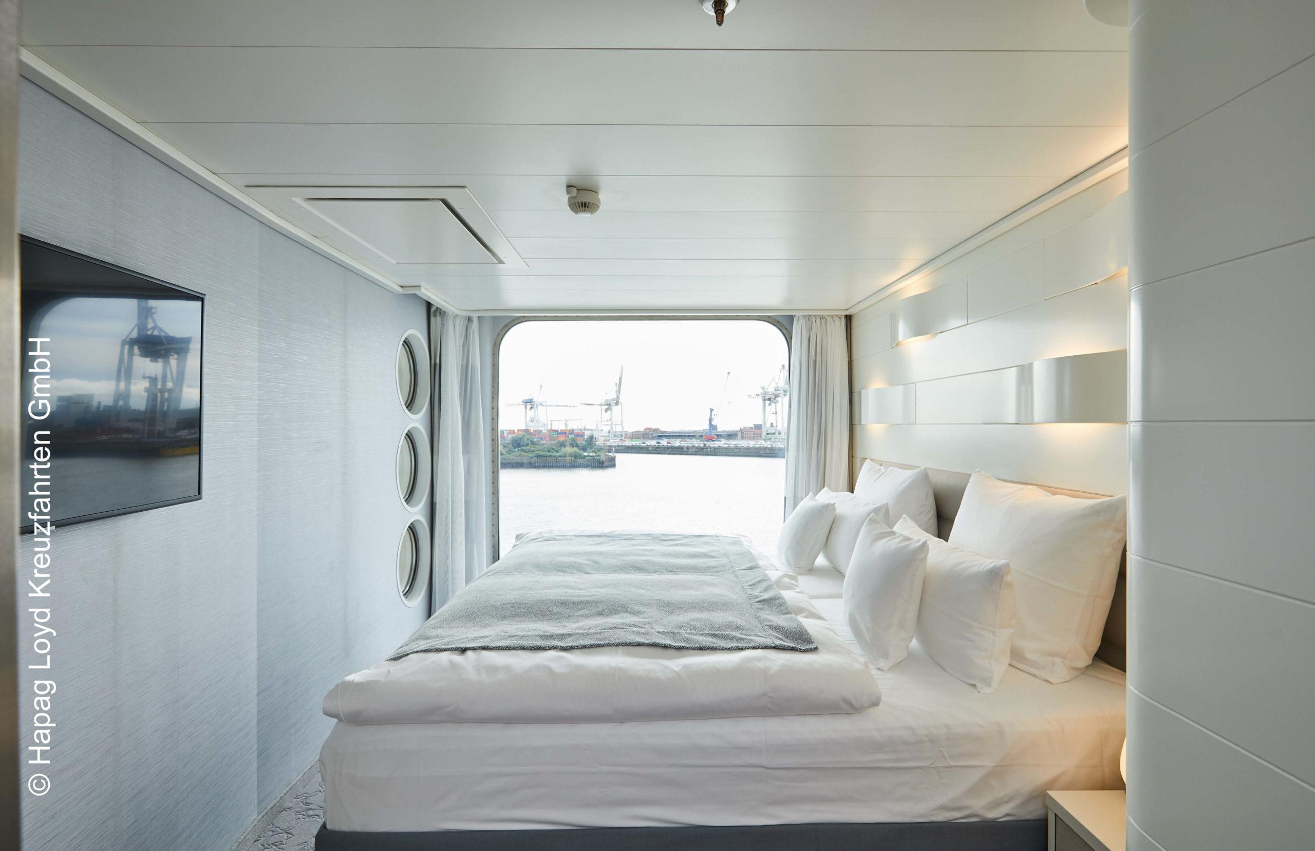 Hapag Lloys Hanseatic inspiration Junior Suite Schlafbereich