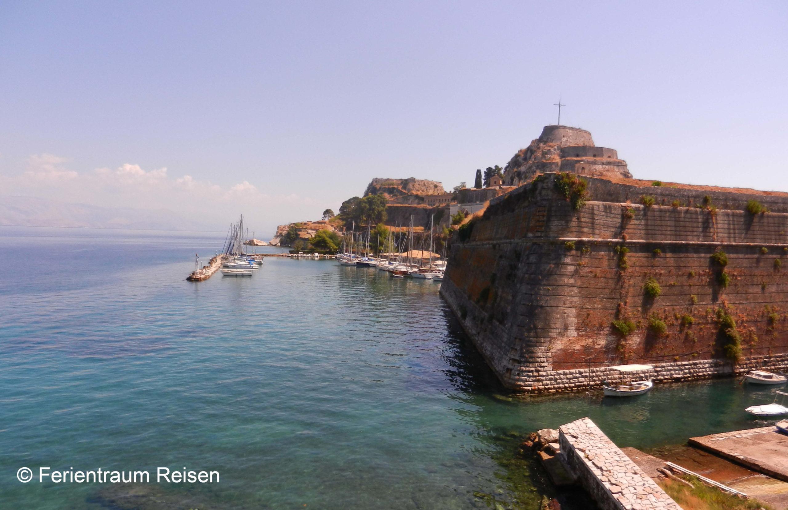 Ferientraum Reisen Kreuzfart Adria Hafen von Korfu